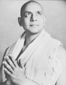 Swami_Kailashananda_aka_Yogi_Gupta_in_prayerful_pose
